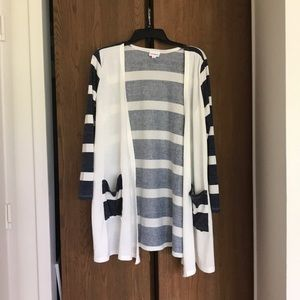 Lularoe Caroline sweater